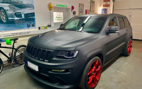 KF Grand Cherokee SRT